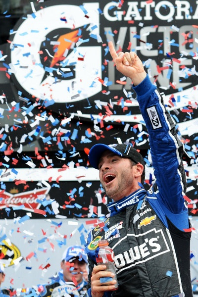 Danica Patrick shines, Jimmie Johnson wins, but this Daytona 500 was a bit lackluster