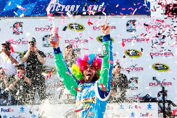 It's Jimmie Johnson again, easily winning the Dover 400, after Jeff Gordon has yet more trouble