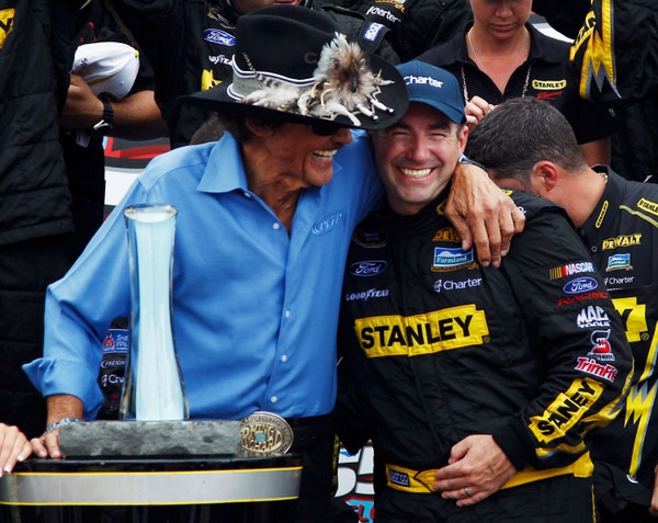 Ford, finally, re-signs Richard Petty's two-car Sprint Cup team