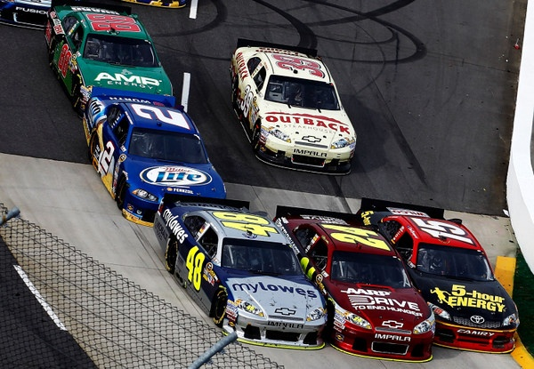 Jimmie Johnson looking to gain on Brad Keselowski in Sunday's Martinsville 500, and Five-Time is on the pole, BradK only 32nd