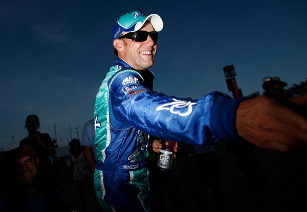 Matt Kenseth wins the Daytona pole, and NASCAR busts Tony Stewart