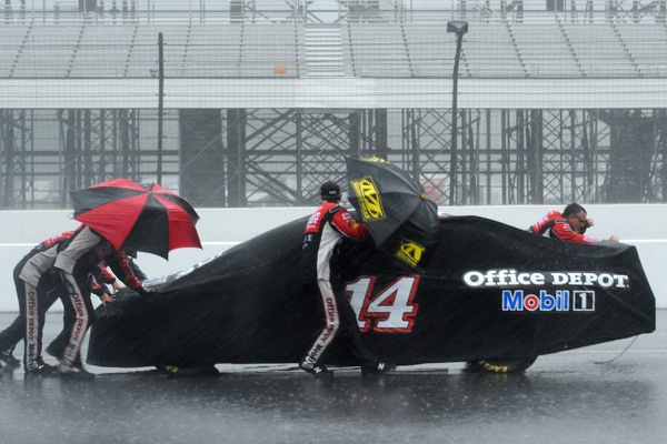 Jimmie loses almost certain win, Jeff takes unexpected victory, 10 fans struck by lightning, one killed, one critical, 8 more hospitalized