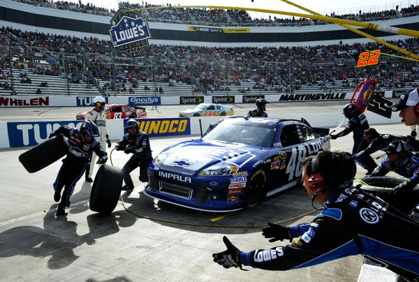 Jimmie wins Martinsville, Brad hangs tough, but Denny runs into the ditch in the championship chase